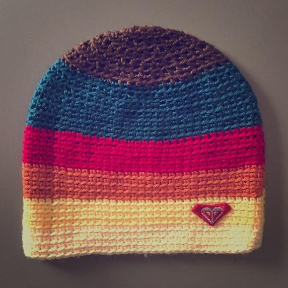 b6b60fa375c Roxy Rainbow Knit Winter Hat. M 5bec768104e33db599c99469